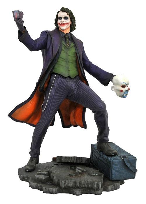 DC Movie Gallery - THE JOKER - Diorama Statua in PVC Altezza 23cm - Diamond Select (Batman Cavaliere Oscuro)